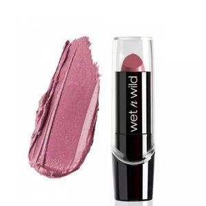 NWT WET N WILD Silk Finish Lipstick - Secret Muse